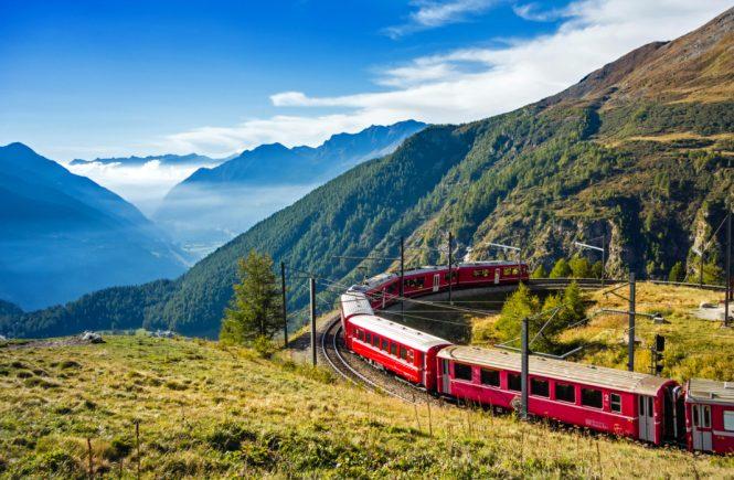 Bernina-Express Nähe Alp Grüm